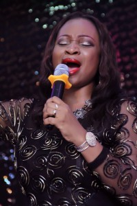 Laureche in worship